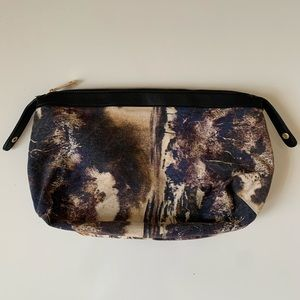 SONDRA ROBERTS SQUARED Abstract Marble Clutch